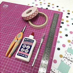 Kit de ferramentas básicas pra scrapbook.