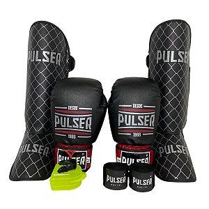 Kit Thai Luva de Boxe / Muay Thai 12oz PU + Caneleira 20mm + Bandagem + Bucal - Preto com Bordo Sport - Pulser