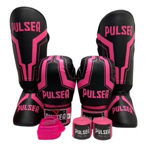 Kit Thai Luva de Boxe / Muay Thai 10oz PU + Caneleira 20mm + Bandagem + Bucal - Preto com Rosa Iron - Pulser