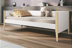 Cama Noah Branco Fosco com pés em madeira natural - Reller