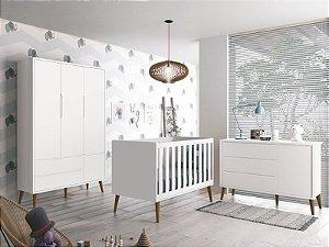 Dormitório Théo Branco Fosco com pés em madeira - Roupeiro 03 portas+Cômoda com porta+Berço - Reller