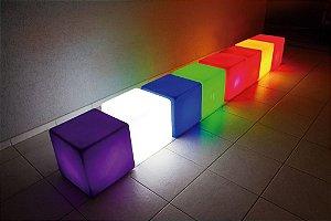 Cadeira Cubo Decorativo de Plástico Iluminado Ibiza Freso
