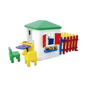 Casinha de Brinquedo e Boneca Infantil Freso com Cerquinha