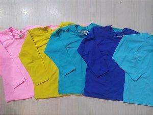 Camiseta infantil com proteção UV