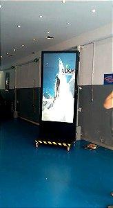 Totem Digital Outdoor Tela 100x200 painel de leds altissima resolução e brilho