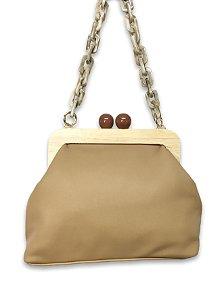 Bolsa couro sintético alça corrente resina com  fecho bola