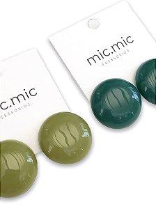 Brinco botão resina verde