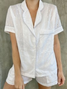 SleepWear golinha curto em laise branco com viés listra azul - 100% algodão