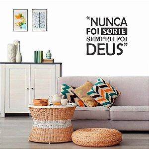 Adesivo Decorativo Frase '' Sempre Foi Deus ''