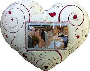 Almofada coração com porta retrato
