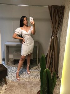 Vestido Deposito / Tamanho: M / Cor: Branco