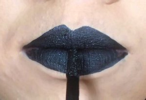 Batom Líquido Metálico Ricosti - Cor Dark - 4,5 ml