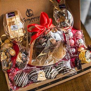Ninho de Trufas de chocolate + chocolates refinados + duas taças de cristal Lucaris