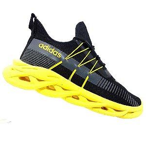 Tênis Adidas Yeezy Maverick Preto e Amarelo