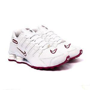 Tênis Feminino Nike Shox NZ Branco e Bordô