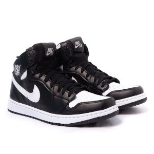 Tênis Nike Air Jordan 1 MID Preto e Branco