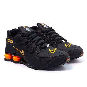 Tênis Nike Shox NZ Preto e Laranja