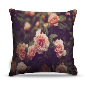Almofada 40 x 40cm Nerderia e Lojaria rosas natureza colorido