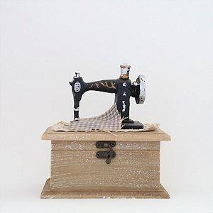 Caixa porta treco - Máquina de Costura em madeira
