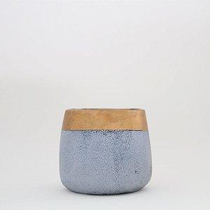Cachepot em cimento com detalhe dourado - pequeno