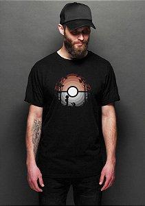 Camiseta Masculina Pokebola