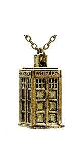 Colar Dr. Doctor Who Police Box Presentes Criativos - Nerd e Geek - Presentes Criativos