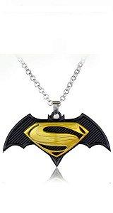 Colar Batman vs Super Man Marvel Presentes Criativos