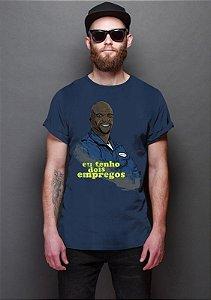 Camiseta Masculina  Eu tenho dois empregos - Nerd e Geek - Presentes Criativos