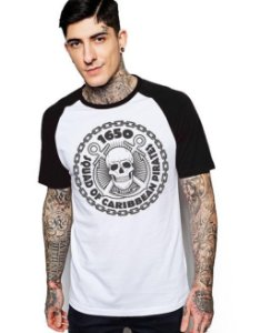 Camiseta Raglan King33 Pirates 1650 - Nerd e Geek - Presentes Criativos