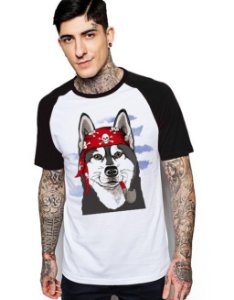 Camiseta Raglan King33 Wolf Pirate - Nerd e Geek - Presentes Criativos