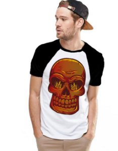 Camiseta Raglan King33 Skull Fire - Nerd e Geek - Presentes Criativos