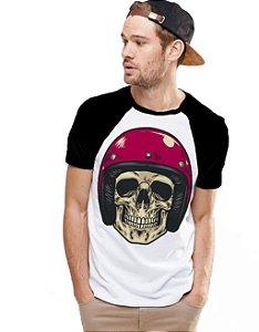 Camiseta Raglan King33 Skull Helmet 1 - Nerd e Geek - Presentes Criativos