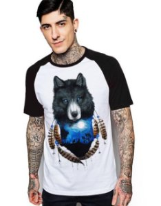 Camiseta Raglan King33 Wolf and Moon - Nerd e Geek - Presentes Criativos
