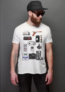 Camiseta Masculina  Old But Gold - Nerd e Geek - Presentes Criativos