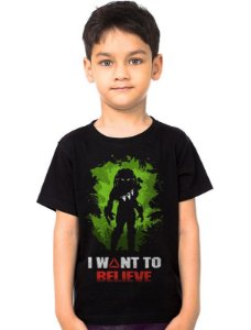 Camiseta Infantil Alien vs Predador Believe - Nerd e Geek - Presentes Criativos