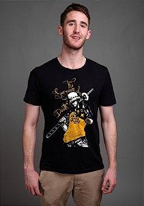 Camiseta Masculina  Anime One Piece Surgeon of Death - Nerd e Geek - Presentes Criativos