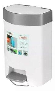 Lixeira Plástica 12 Litros Com Pedal Cozinha Banheiro Escritório - Pratk - Branco