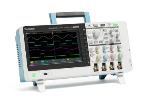 Tektronix TBS2074B - Osciloscópio 70MHz, 4 canais, 5M de memória e 5 anos de garantia