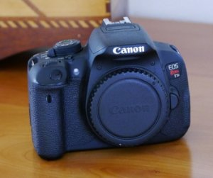 Canon EOS Rebel T5i Body