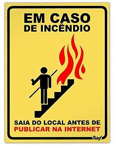"""Placa """"Em caso de incêndio"""" - unitário - Yaay!"""