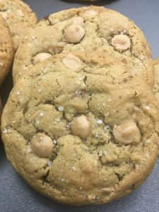 Cookie de caramelo e flor de sal | 4 unidades