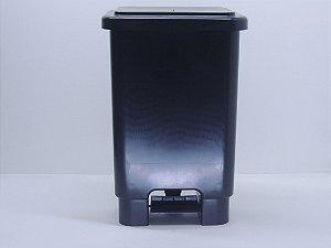 Lixeira retangular com pedal 15 Litros - Preta. [Polipropileno]