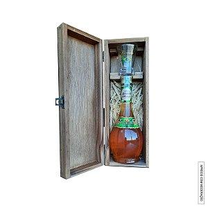 Kit Presente 1 Licor Fino de Butiá 375ml em Estojo de Madeira com 1 Copo