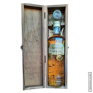 Kit Presente 1 Cachaça Envelhecida em Blend de 4 Madeiras 700ml em Estojo de Madeira com 1 Copo