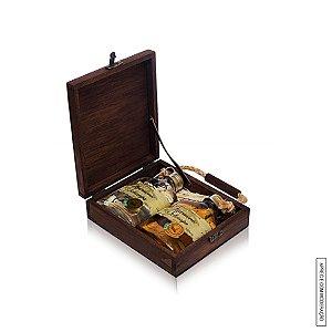 Kit Presente 2 Cachaças Harmonie Schnaps de 160ml cada em Estojo de Madeira com Alça