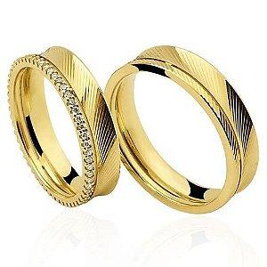 Par de Alianças anatômicas de Ouro Dourado 18K-750 trabalhado 9,10g com 56 Diamantes em 28pts