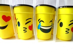 Copo Emoji Emoticon Divertido de Plástico Canudo Sanfonado