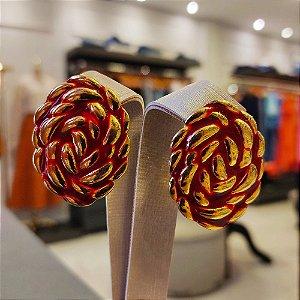 Brinco Dourado Flor Esmaltada Vermelha