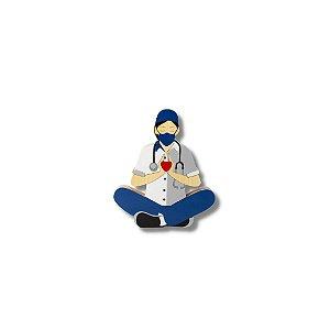 Escultura Médica Meditando com Coração