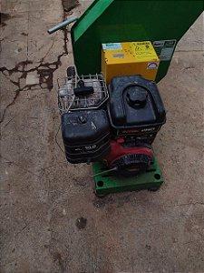 Triturador De Galhos, Troncos, A Gasolina Lifan 15HP Trapp TRR 260